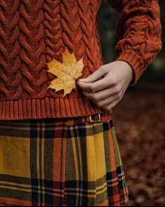 Autumn Aesthetic, Aesthetic Fashion, Cozy Aesthetic, Autumn Cozy, Fall Winter, Fall Pictures, Autumn Garden, Samhain, Fall Pumpkins