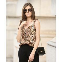 REGATA COM BOTÕES ANIMAL PRINT Business Women, Ideias Fashion, Chiffon, Outfits, Pretty, Shirts, Beauty, Dapper Clothing, Leopard Prints