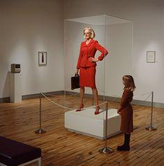 Il surrealismo fotografico di Hugh Kretschmer