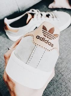 brand new eedc2 680b2 Cute Sneakers For Women, Adidas Stan Smith Outfit, Casual Chic Outfits,  Cheap Adidas