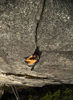 Grub Street    Ken Anderson in the offwidth.    Grub Street 5.11a The Malamute    Squamish BC