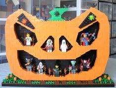 LEGO Halloween Jack-O-Lantern minifigure display.