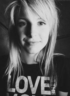 Hayley :) Paramore | | |