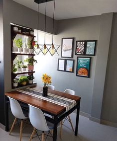 Cozy Round Small Dining Room Decor Ideas for Small Space - Home Style Dining Room Small, Living Dining Room, Living Room Decor, Home Decor, House Interior, Room Decor, Dining Room Decor, Small Dining Room Decor, Interior Deco