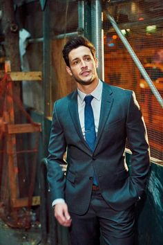 It's all about that attitude 👔🗽🌃 Men's Fashion, Mens Fashion Suits, Mens Suits, Dr Mike Varshavski, Hot Doctor, Foreign Celebrities, Hunks Men, Suit Up, Photography Poses For Men