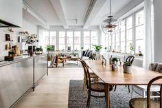 Post: Apartamento tipo loft con grandes ventanales --> Apartamento tipo loft con grandes ventanales, blog decoración escandinava, decoración gris madera plantas, decoración interiores suecos, decoración loft, decoración nórdica, diseño loft, piso en antigua fábrica
