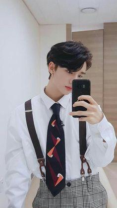 Check out Stray Kids @ Iomoio Stray Kids Seungmin, Felix Stray Kids, Stray Kids Chan, Lee Min Ho, Pretty Boys, Cute Boys, Got7, Ulzzang, Jooheon