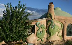 This Cob House: Various features of Cob building