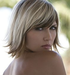Two tone hair color blonde on top brown on bottom. Two tone hair color blonde on top brown on bottom. Hair Color For Women, Short Hair Cuts For Women, Short Hair Styles, Summer Hairstyles, Cool Hairstyles, Brown Hairstyles, Layered Hairstyles, Hairstyle Ideas, Blonde Foils
