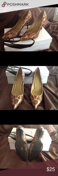Nine West print pump 💕💕💕 Beautiful and classy print shoe brown and gold love these💕💕 worn a couple of times!! Nine West Shoes Heels