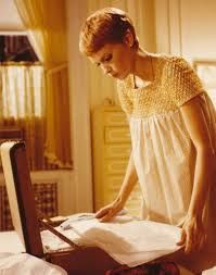 Mia Farrow in 'Rosemary's Baby' 24 Femmes Per Second: nouveaux postes de belles femmes chaque semaine; weekly posts of beautiful women; Mia Farrow, Rosemary's Baby, Nancy Sinatra, Roman Polanski, Baby Costumes, Beautiful Women, Hollywood, Celebs, Style Inspiration