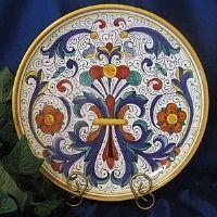 Belo trabalho em simetria e cores!