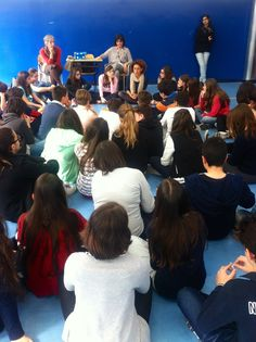 """Autori in Città #4  Cecilia Bartoli, incontra i ragazzi per parlare del suo """"Gli amici nascosti"""" Topipittori editore"""