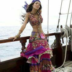 Ideas style gypsy costumes for 2019 Boho Gypsy, Gypsy Style, Hippie Style, Hippie Boho, 70s Style, Trendy Style, Mode Hippie, Bohemian Mode, Bohemian Style