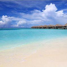 Maldives Photo by: @kobechanel #travelworld #instatravel #paradise #bestvacation #nature #destination #beautifulnature #beautiful #incredible #adventure #amazingplace #sun #sunday #sunny #love #sunshine #sea #summer #summertime #beach #beachday #beachlife #sandbeach #tropical #palm #palmtrees #palmtree #maldives #loveincredibledestinations