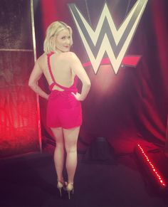 Monday Night Raw in Omahaaaaaaa!! Let's do this!  @meghanla romps all day