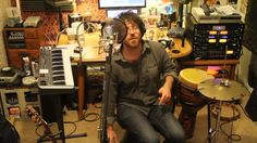 Elijah Aaron - No Scrubs (One Man Live Looping Cover)