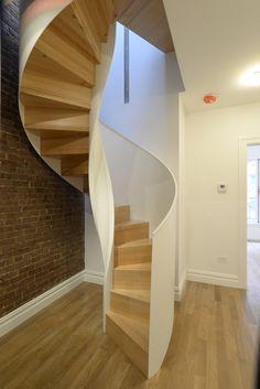 schlichte stahltreppe wei treppen pinterest. Black Bedroom Furniture Sets. Home Design Ideas