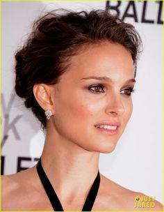 Natalie Portman Honey Eyes Color, Natalie Portman, City Ballet, Eye Color, Dior Earrings, Diamond Earrings, Red Carpet Hair, Colours, Eye Makeup