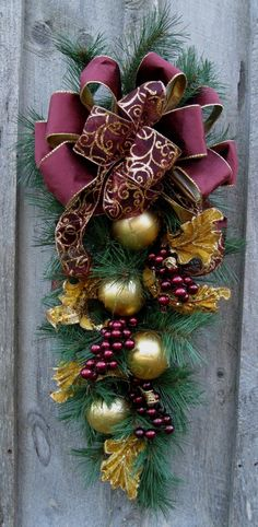 Christmas Swag Holiday Wreath Elegant by NewEnglandWreath on Etsy MásFrom Deer Valley Florist Beautiful Christmas Swag in rich burgundies.Elegant Victorian Christmas Swag , Love the colors!Christmas Swag - pretty, but with true Christmas red for me! Elegant Christmas Decor, Christmas Swags, Noel Christmas, Victorian Christmas, Holiday Wreaths, Christmas Ornaments, Purple Christmas, Christmas Christmas, Christmas Projects