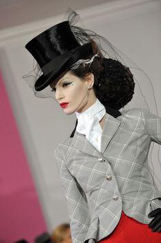 Iris Strubegger Photo - Paris Fashion Week Haute Couture S/S 2010 - Christian Dior Christian Dior, Ride 2, Dior Haute Couture, Paris Photos, Classic Chic, John Galliano, Horse Riding, Business Fashion, Iris