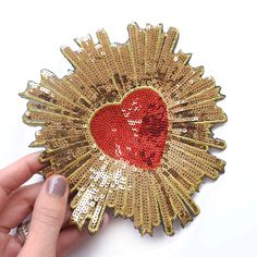 Christmas Websites, Madonna, Gold Sequins, Applique, Sacred Heart, Diy Fashion, Patches, Brooch, Neon Signs