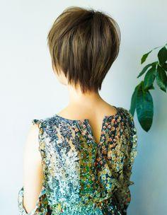立体感のある小顔ボリュームアップショートヘア(YR-447) | ヘアカタログ・髪型・ヘアスタイル|AFLOAT(アフロート)表参道・銀座・名古屋の美容室・美容院