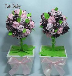 Linda Topiaria!!!  Pode ser usada na decoração do quarto ou na festa de aniversário.  O cachepô é de Mdf e as tulipas em tricoline.  O valor é de cada unidade.