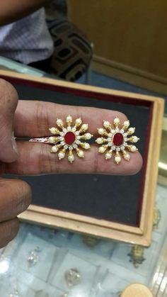 Gold Smith 9849918039 #PearlGoldJewellery Jade Jewelry, Emerald Jewelry, Pendant Jewelry, Gold Earrings Designs, Gold Jewellery Design, Jewelry Patterns, Wedding Jewelry, Diamond, Pearl Earrings