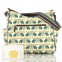Insulated pockets for bottles on either side, the cotton canvas nappy bag shows off a cross body strap as well as a changing mat. Maternity Style, Maternity Fashion, South African Design, Changing Mat, Cotton Canvas, Bags, Mom Outfits, Handbags, Clothes For Pregnant Women