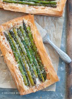 Grilled Asparagus & Gruyère Tartlettes | http://heatherbullard.com/2013/04/grilled-asparagus-gruyere-tartlettes/