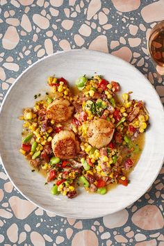 Succotash is an American dish that makes a great side to any barbecued meat or fish. Sweetcorn is in season now and pairs wonderfully with scallops. Succotash Recipe, American Dishes, Delicious Dinner Recipes, Scallops, Red Peppers, Ratatouille, Frozen, Beans, Stuffed Peppers