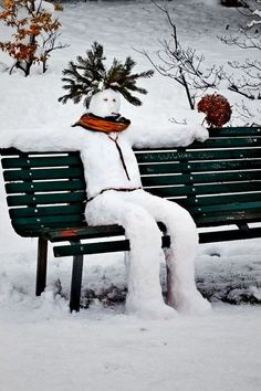 snowman.on.a.bench / Winter and Snow