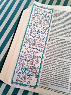 Working through Romans.Seriously in love with these Bible art journaling examples. Made me immediately think of my sister.She would make her Bible gorgeous! Romans Bible, The Book Of Romans, Faith Bible, Lds Scriptures, Bible Prayers, Bible Verses, Bible Study Journal, Art Journaling, Bible Art