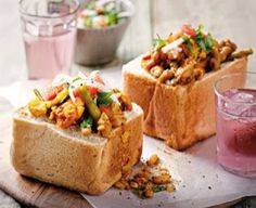 Have a taste of Durban with this Free Traditional South African Vegetable Bunny Chow. Bunny Chow is hollowed out bread filled with curry. You may use any curry to make a bunny chow Veg Curry, Beans Curry, Vegetable Curry, South African Dishes, South African Recipes, Dinner Dishes, Food Dishes, Dinner Recipes, Grass Fed Beef