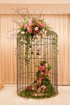 Lovely...use this idea with one of our birdcages, part of the package at Stewart Family Farm Outdoor Weddings! http://www.stewartfamilyfarm.com