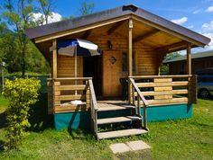 Camping made easy at Camping Lago di Levico, Levico Terme, Trento. Wooden chalets available as double or triple rooms.