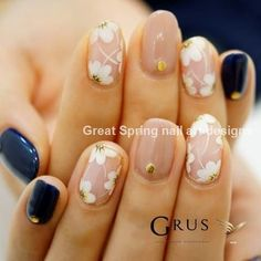 Check out these 17 fashionable office nail designs, from Styles Weekly: Sophisti. Check out these 17 fashionable office nail designs, from Styles Weekly: Sophisticated women know how different they will look once they get a chic nai. Fancy Nails, Pretty Nails, My Nails, Shellac Nails, Stiletto Nails, Glitter Nails, Chic Nail Designs, Navy Nail Designs, Clear Nail Designs