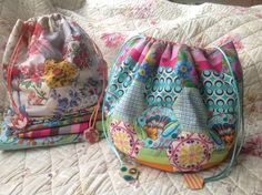 Create a vintage or modern-style Dilly Bag to carry and store your sewing, embroidery, crochet, or knitting tools and projects. This designer pattern is fromBrigitte Giblinand is an English pape...