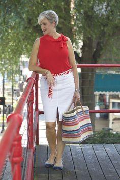 50 sugestões de modelos de blusas sem mangas - Blog da Mari Calegari 60 Fashion, Fashion For Women Over 40, Latest Fashion Trends, Plus Size Fashion, Fashion Outfits, Womens Fashion, Summer Outfits, Casual Outfits, Cute Outfits