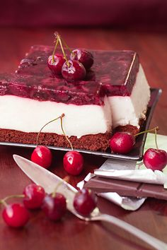 cherry & yougurt cake.  Instructions are not in english.  Thanks to @Matt Weaver for finding the translation!  I am fixing the comments and hopefully adding the instructions correctly....
