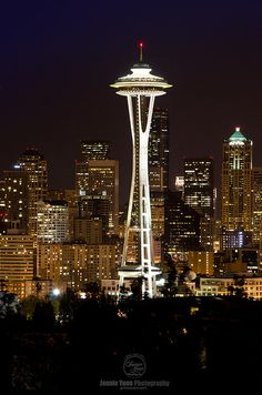 Night Photography: Seattle Space Needle and skyline