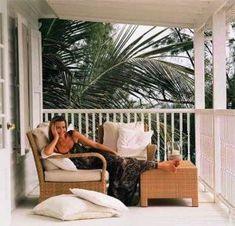 Famous folk at home - India Hicks - Bahamas luscious living