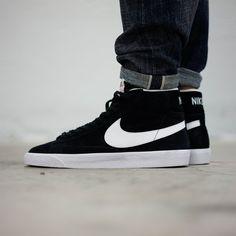 9607efebb53f Nike Blazer Mid Premium