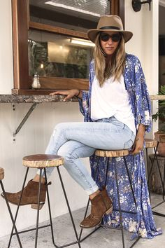 Spell and the gypsy sundancer maxi kimono Brand new with tags. Not free people just listed for exposure Free People Other Long Kimono Outfit, Look Kimono, Blue Kimono, Kimono Jacket, Blue Maxi, Boho Outfits, Spring Outfits, Cute Outfits, Fashion Outfits