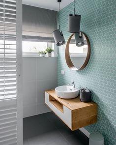 Tendencias losas y azulejos en baños y cocinas, cambian de forma y color - Decoración, DIY e ideas para decorar con vinilos Bad Inspiration, Bathroom Inspiration, Cool Bathroom Ideas, Interior Inspiration, Feature Tiles, Bathroom Cleaning, Apartment Interior, Apartment Layout, Bathroom Interior Design