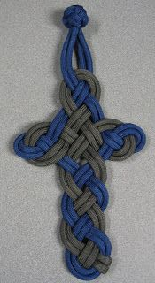 Cross made from paracord - unfortunately no instructions attached.