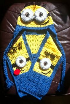 Toddler to pre-school Minion hat and scarf