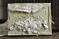 cynkowe poletko, Paper box for card with flowers Shabby Chic Cards, Vintage Shabby Chic, Scrapbook Cards, Scrapbooking, Anna Griffin Cards, Beautiful Handmade Cards, Pretty Cards, Fabric Paper, Flower Cards