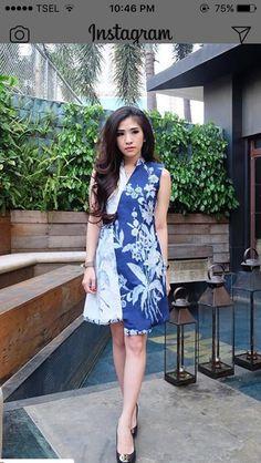 Model Dress Batik, Batik Dress, Kebaya Dress, Batik Kebaya, Simple Dresses, Nice Dresses, Blouse Batik, Batik Fashion, Brokat